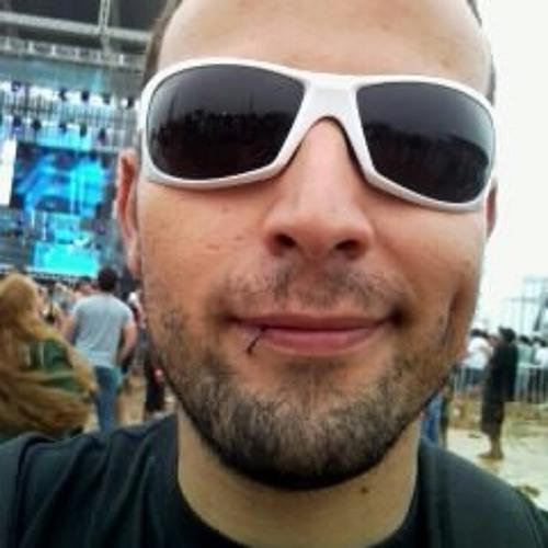 Ivan Fernando's avatar