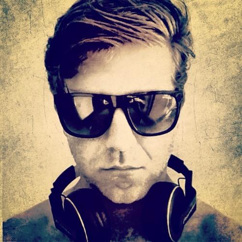 Michael Whitee's avatar