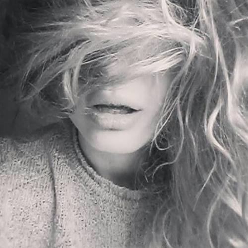 Nina Storm W's avatar