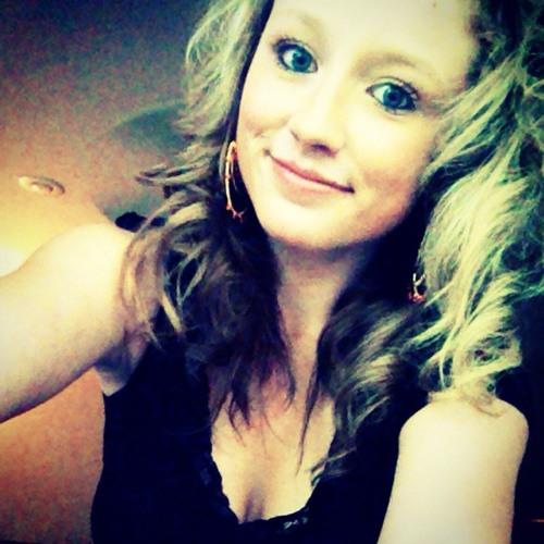 Carly Larkin's avatar