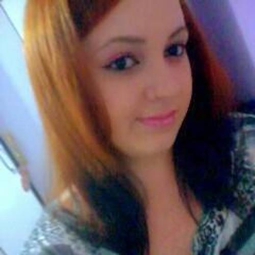 Flávia Bueno's avatar