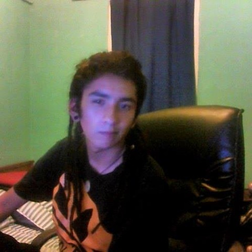 Everet Moya's avatar