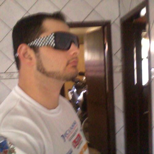 """d(-_-)b"" Ricardo Matos)'s avatar"