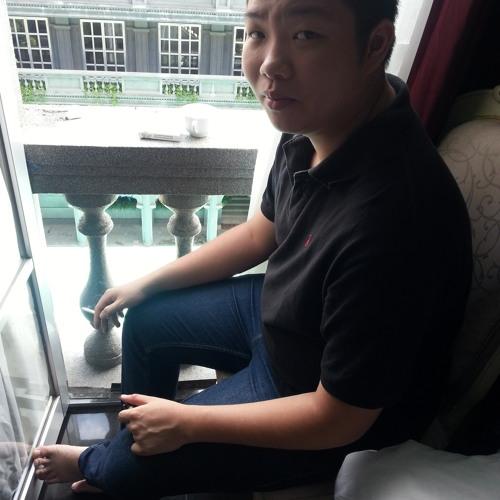 Ferri Wijaya Lie's avatar
