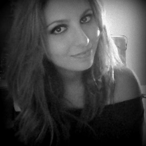 Mouna Guennani's avatar