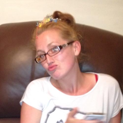 Simone Hirst's avatar