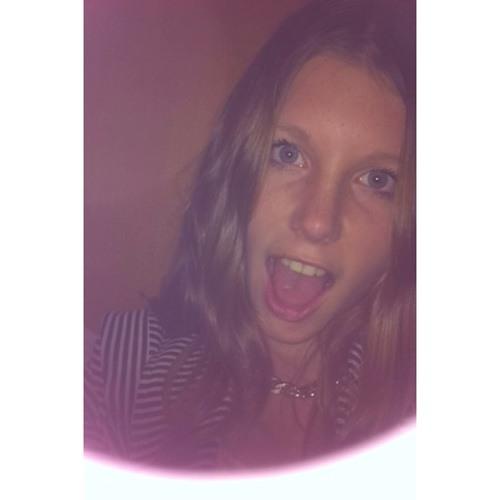 leah_cuthbertson's avatar