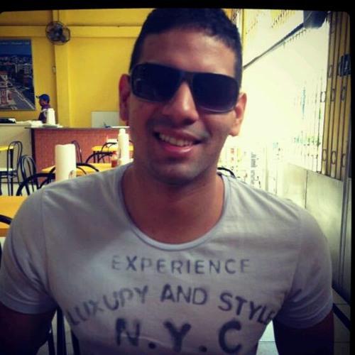 Guilherme Matos Queiroz's avatar