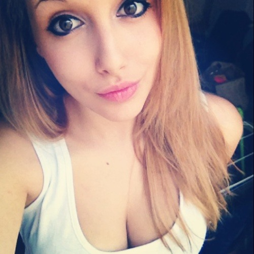 Manuela Janeriat's avatar