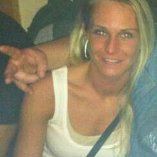Dominique Anna Funk's avatar