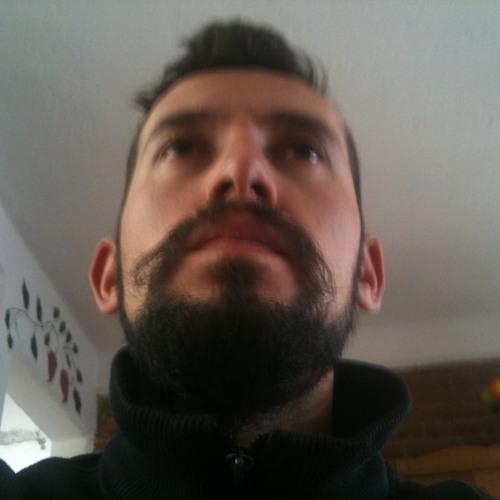 Uriel Estrada's avatar