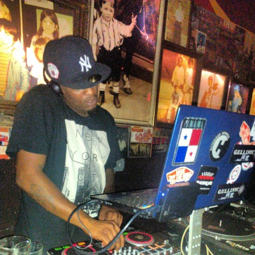 DJ ROGER SMITH's avatar