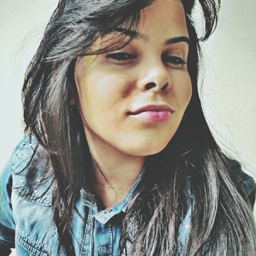 María Fernandes's avatar