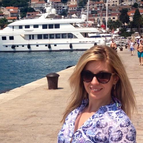 Mary Anna H's avatar