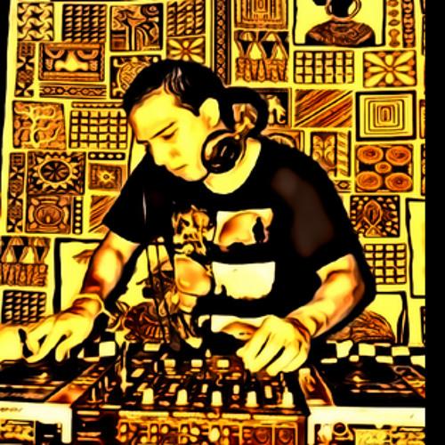 DJ Arnnett's avatar