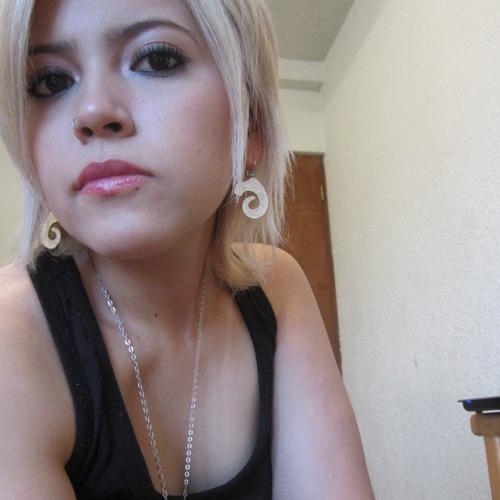 Itzeluca Fuzz Garcia's avatar