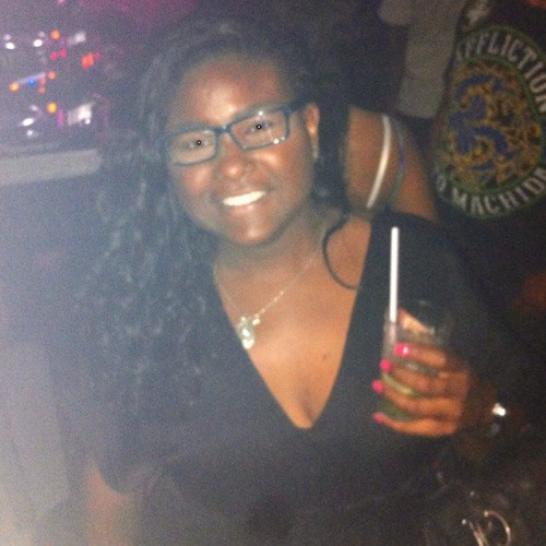 Cycy Gomes's avatar