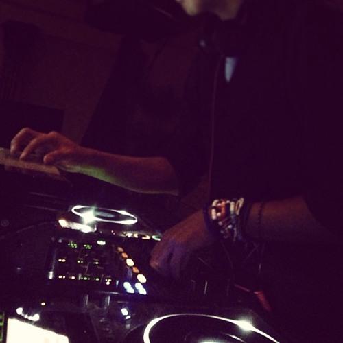 DJ_Gonzo's avatar