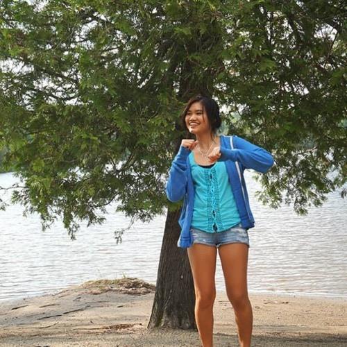 LuLu Bell's avatar