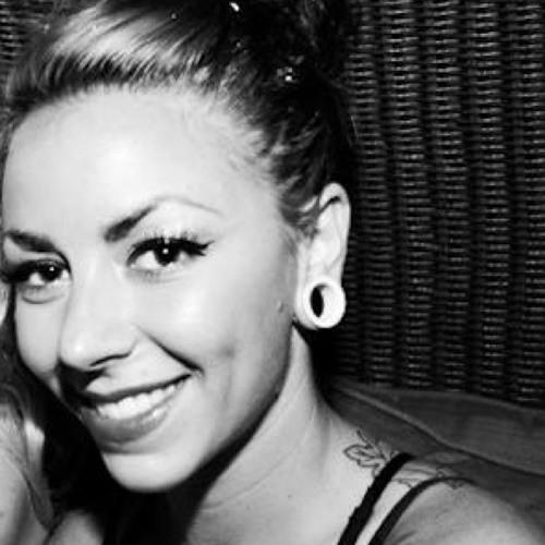 Lauren Ainsworth 2's avatar