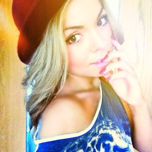 Lily Asta's avatar