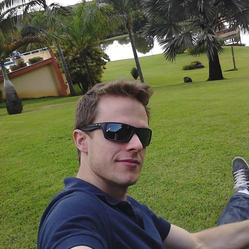 Luiz Felipe Oliveira 4's avatar