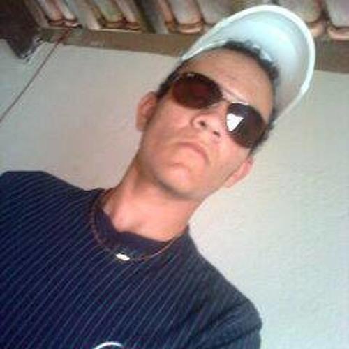 Djvenancyo Oliver Desande's avatar