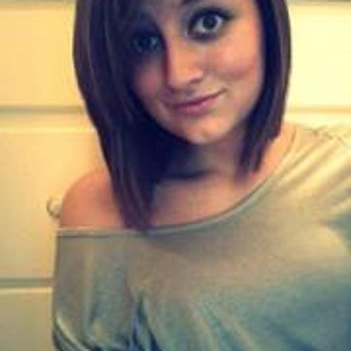 Julianna Marie Gills's avatar