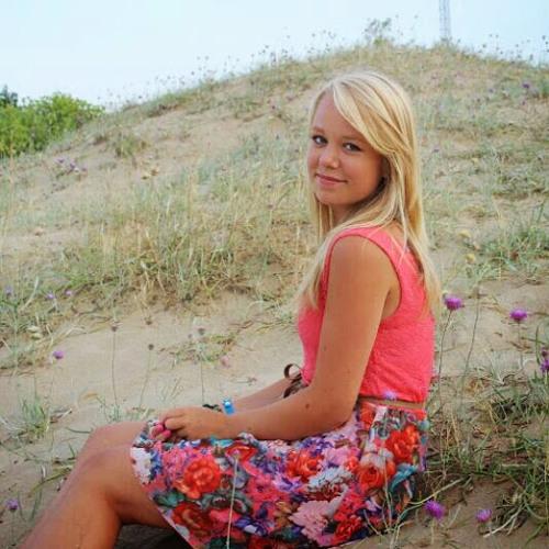 Julia Herrmann 6's avatar