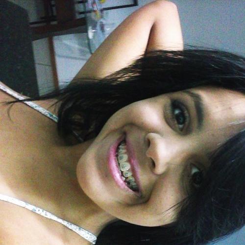 Letícia Martiins's avatar
