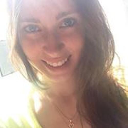 Ana Padovam's avatar