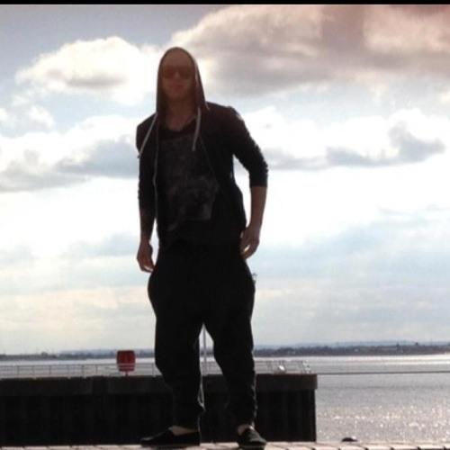 leetomo18's avatar