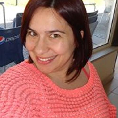 Célia Magalhães's avatar