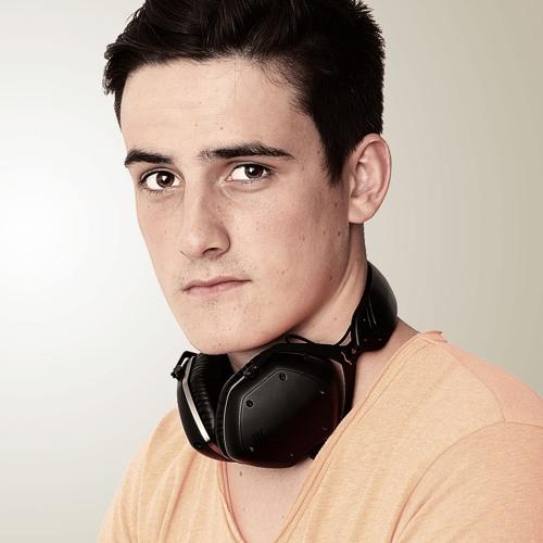 MaxParadizoMusic's avatar