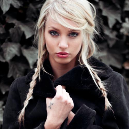 Amy Rielle's avatar