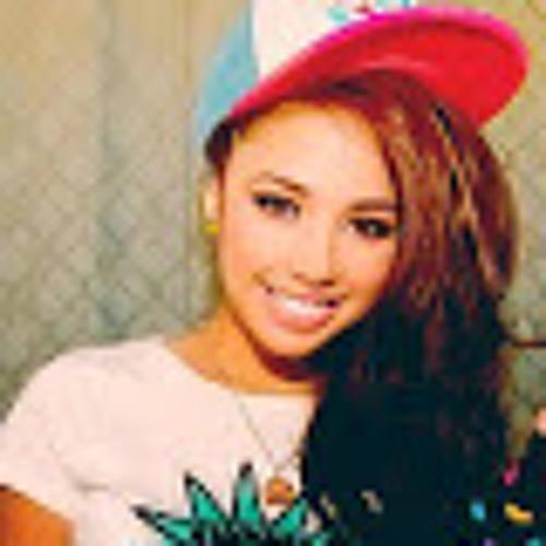Magalie Vanille's avatar