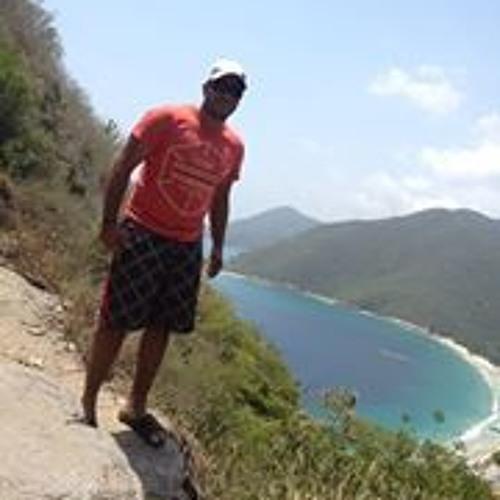 Eryk Adames Infantino's avatar
