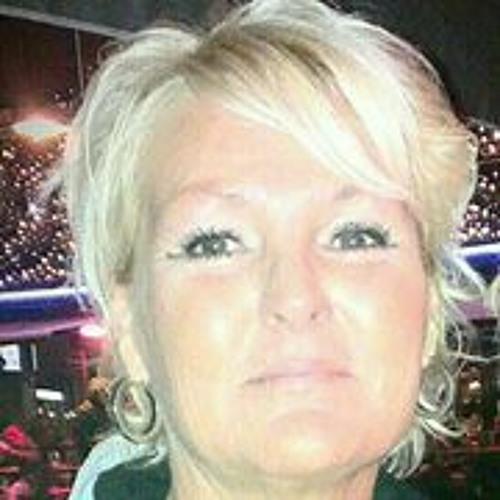 Karina de Jong's avatar