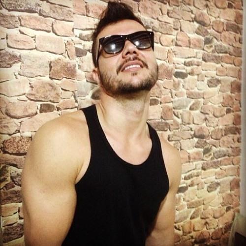 Rogerio Quintanilha's avatar