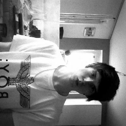 CΔ♈M [دينيس]'s avatar