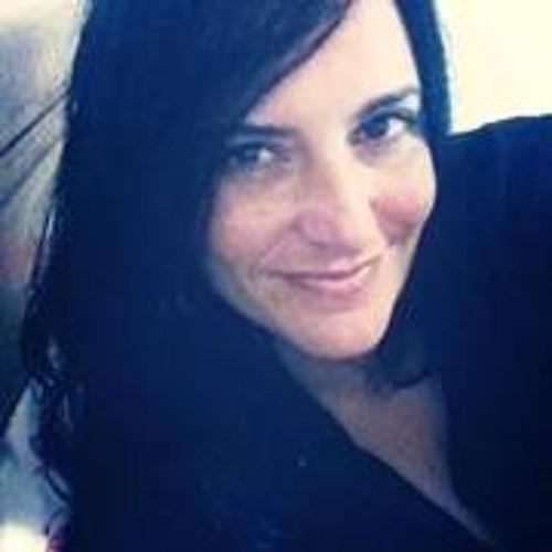 Karla Saiol's avatar