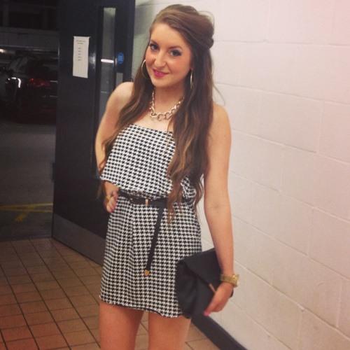 Lauren Bellas's avatar