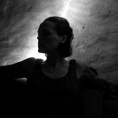 Julie Chance's avatar