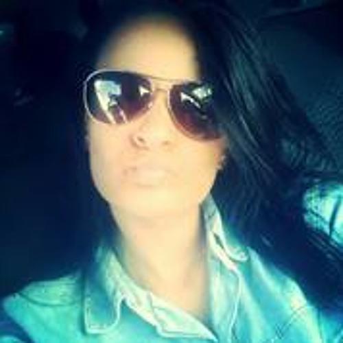 Betina Rodrigues 2's avatar