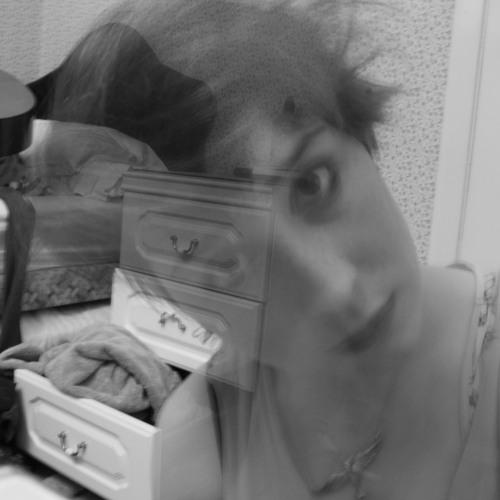Lucy Ben''s avatar