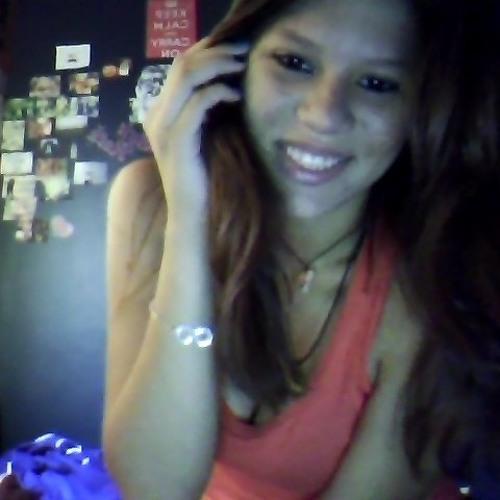 Emily Souza 9's avatar