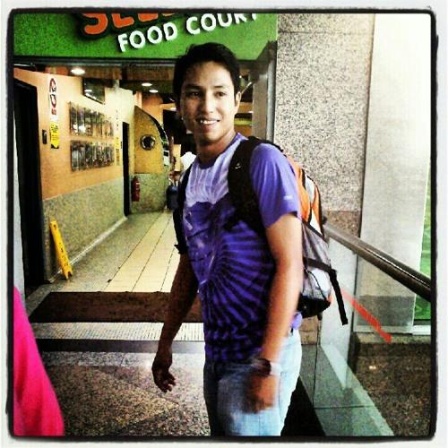 lowcam1234's avatar