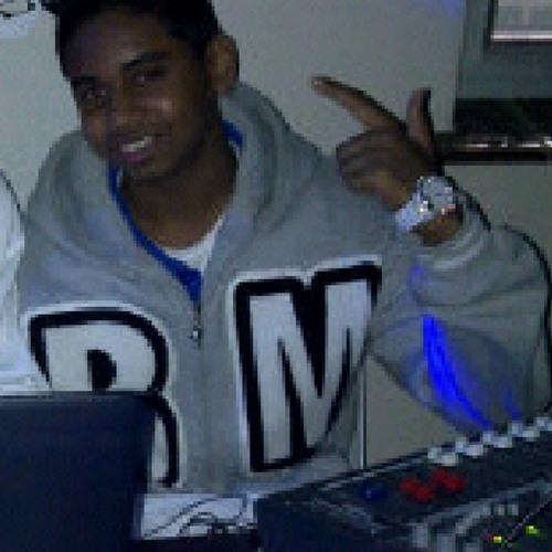 DJ-ASH-10's avatar