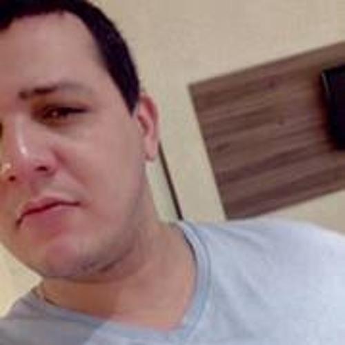 J C Graciano Graciano's avatar