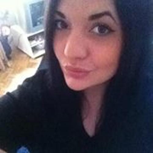 Shadiyah Svenja Kamil's avatar